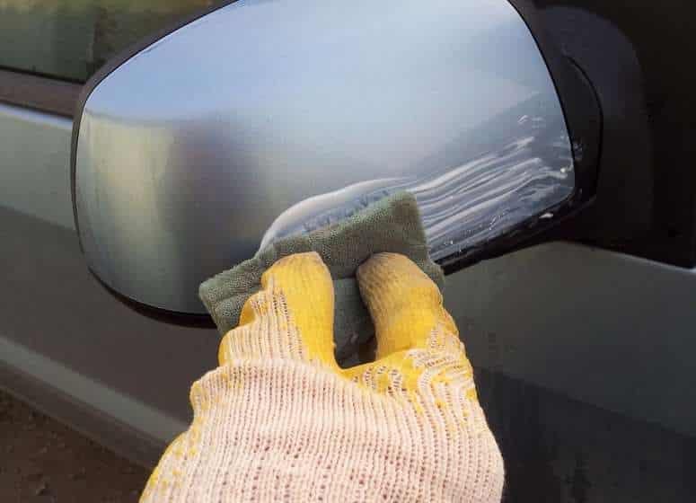 Как снять краску с пластика