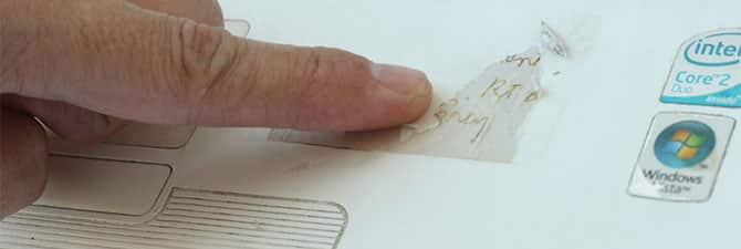 как оттереть клей от наклейки с пластика