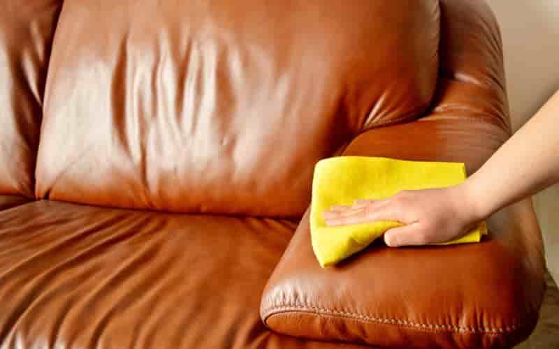 как отмыть чернила с кожи дивана