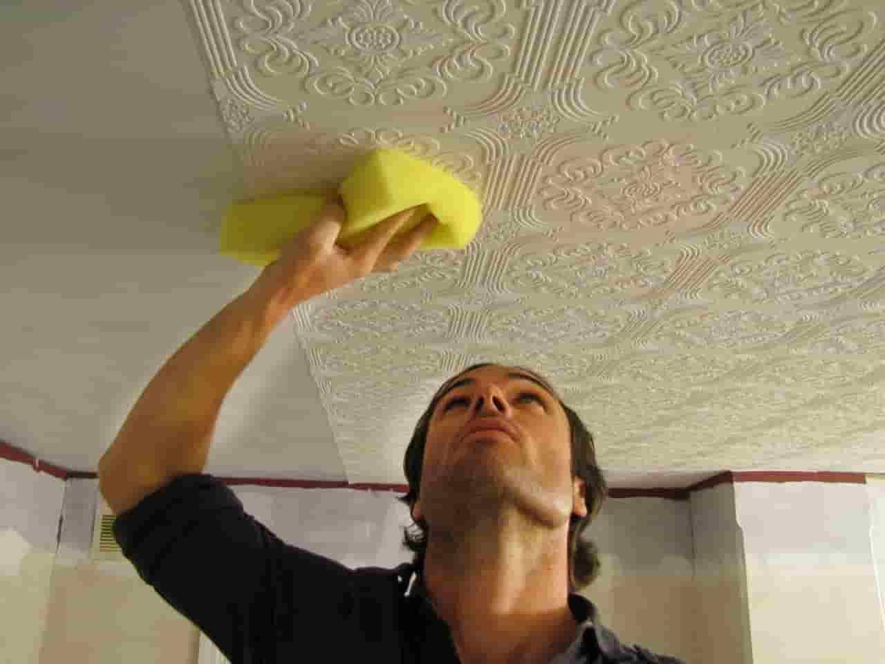 Как удалить акриловую краску с потолка