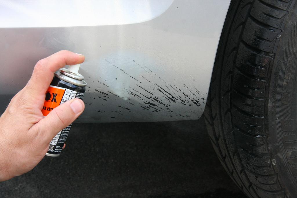 Чем отмыть смолу с автомобиля
