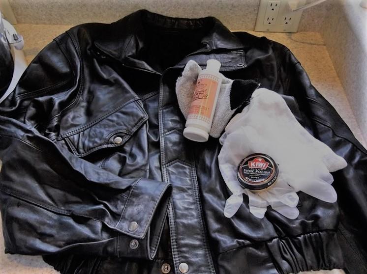 Чем оттереть смолу с куртки