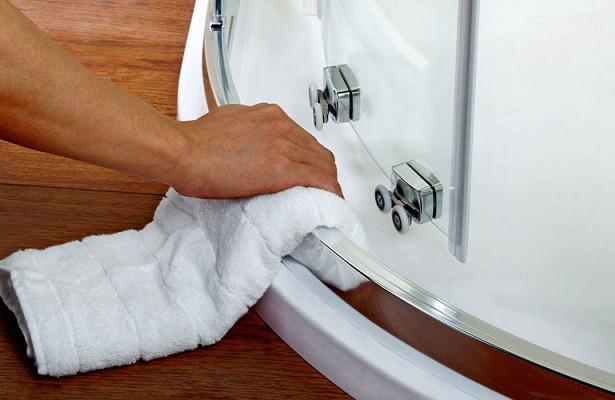 Чем отмыть душевую кабину от известкового налета в домашних условиях (до блеска)