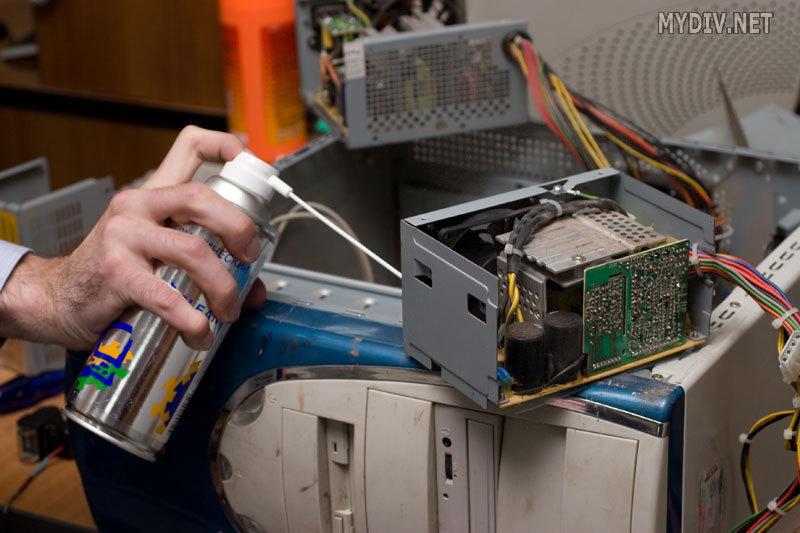 чем продуть компьютер от пыли