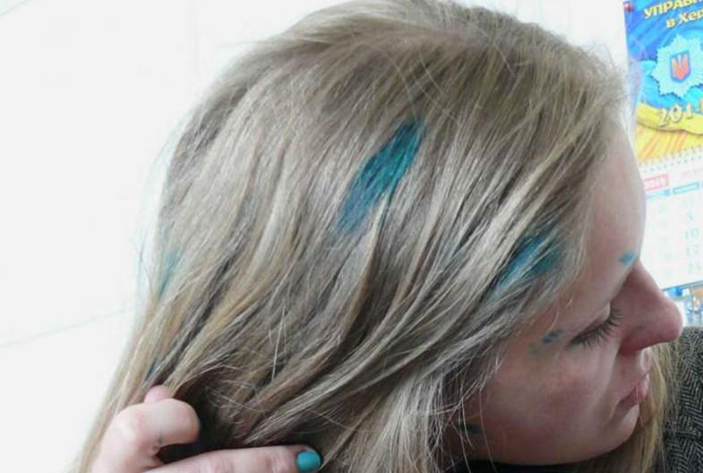 как смыть йод с волос