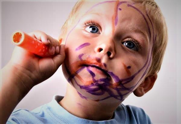 Чем смыть фломастер с кожи ребенка